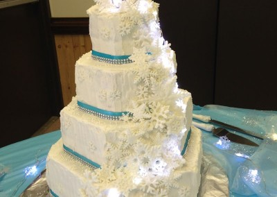 Winter Wonderland Cake Lit up